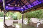detalle interior Pergola de Junco Africano 3 iluminacion led