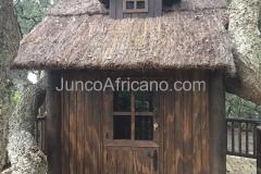 Casa de Madera con Cubierta de brezo